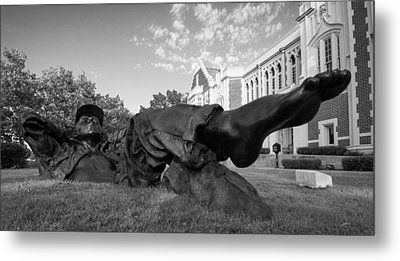 Chillin On The North Oval Metal Print by Nathan Hillis