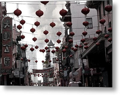 Chinatown Metal Print by Larry Butterworth