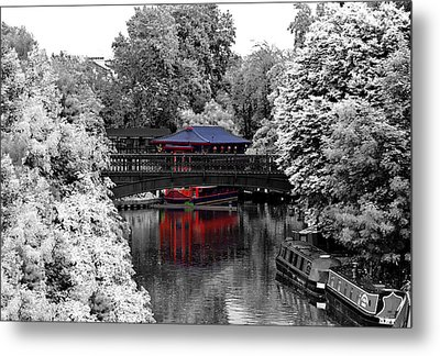 Chinese Architecture In Regent's Park Metal Print by Maj Seda