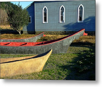 Chinook Canoes Metal Print by Pamela Patch
