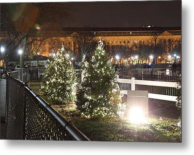 Christmas At The Ellipse - Washington Dc - 01131 Metal Print by DC Photographer