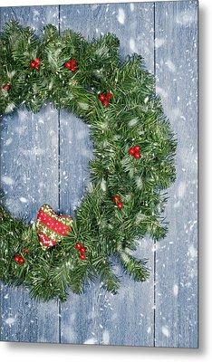 Christmas Garland Metal Print by Amanda And Christopher Elwell