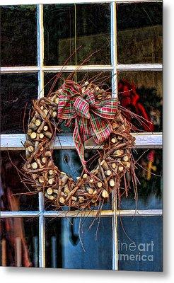 Christmas Wreath Metal Print by Darren Fisher