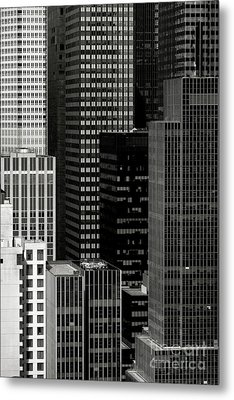 Cityscape In Black And White Metal Print by Diane Diederich