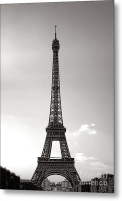 Classic Eiffel Metal Print by Olivier Le Queinec