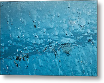 Close Up Of Air Bubbles In Iceberg Metal Print by Ray Bulson