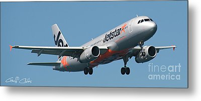 Commercial Aircraft At Sydney Airport Metal Print by Geoff Childs