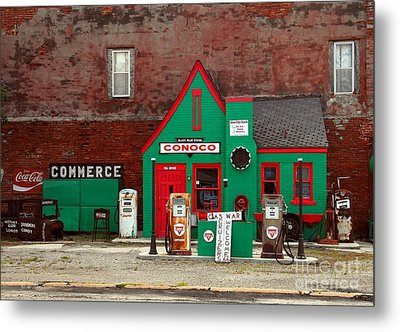Conoco Station On Route 66 Metal Print by Mel Steinhauer