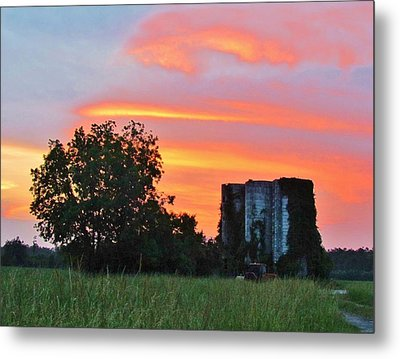 Country Sky Metal Print by Cynthia Guinn
