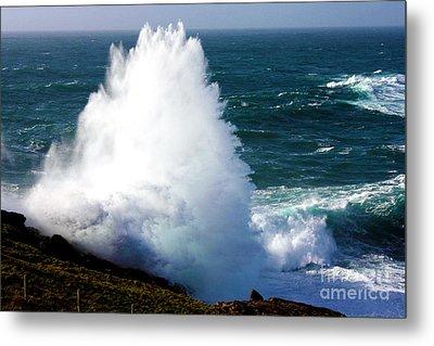 Crashing Wave Metal Print by Terri Waters