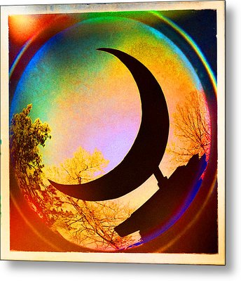 Crescent Moon Over Eureka Springs Metal Print by Garry McMichael