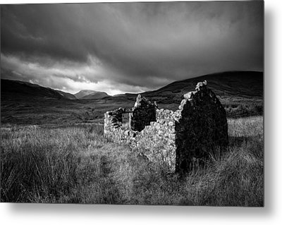 Crofters Cottage Ruin Metal Print by Dave Bowman