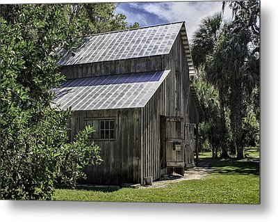 Cross Creek Barn Metal Print by Lynn Palmer