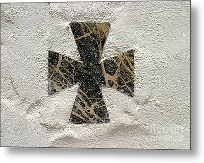 Cross Metal Print by Henrik Lehnerer