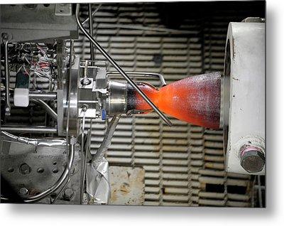 Cst-100 Spacecraft Testing Metal Print by Nasa/pratt And Whitney Rocketdyne