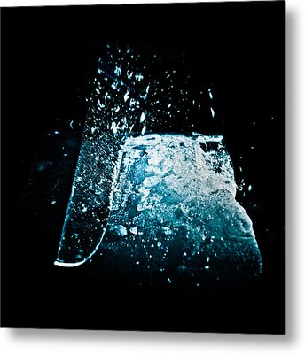 Cutting The Ice Metal Print by Wolfgang Simm