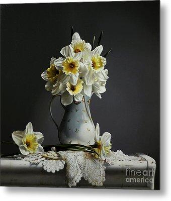 Daffodils Metal Print by Larry Preston