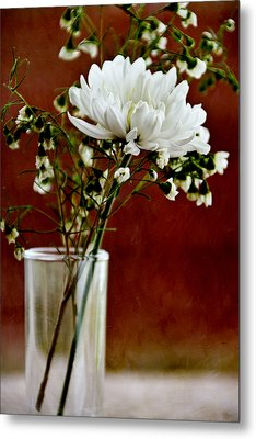 Daisy Mum On Red 3 Metal Print by Angelina Vick