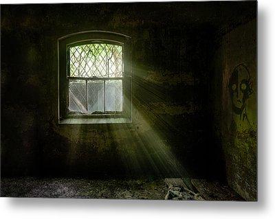 Darkness Revealed - Basement Room Of An Abandoned Asylum Metal Print by Gary Heller