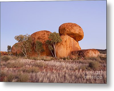 Dawn Devils Marbles Northern Territory Metal Print by Colin and Linda McKie