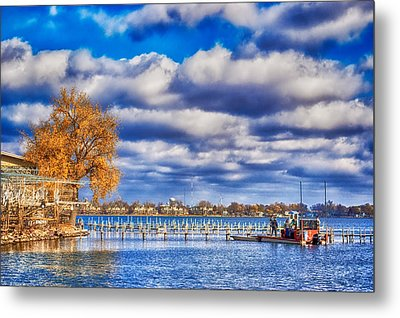 Dock Workers Metal Print by Ian Van Schepen