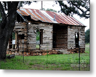 Dog Trot Cabin Metal Print by Paul Wesson