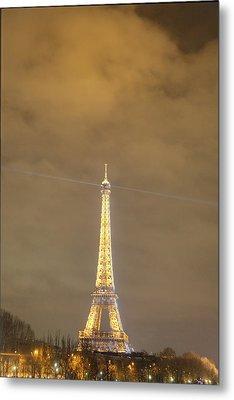 Eiffel Tower - Paris France - 011354 Metal Print by DC Photographer