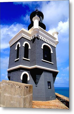 El Morro Lighthouse Metal Print by Carey Chen