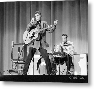 Elvis Presley And D.j. Fontana Performing In 1956 Metal Print by The Phillip Harrington Collection