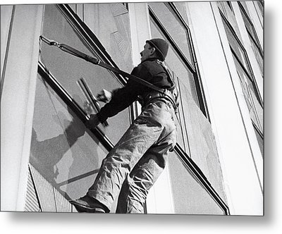 Empire State Window Washer Metal Print by Underwood Archives