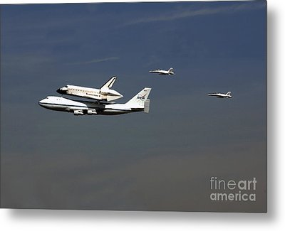 Endeavour Space Shuttle In La With Escort Fighter Jets  Metal Print by Howard Koby