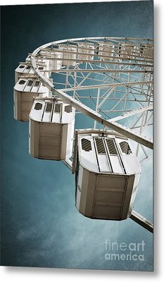 Ferris Wheel Metal Print by Carlos Caetano