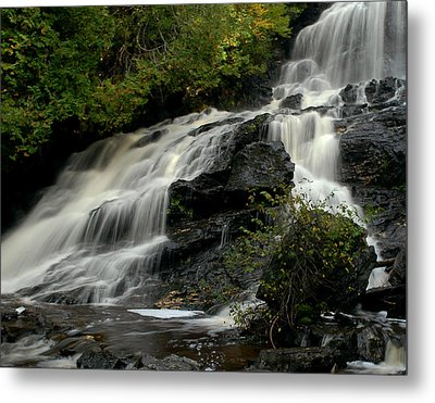 Flowing Peace Metal Print by Tammy Collins