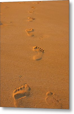 Footprints In The Sand Metal Print by Andreas Thust