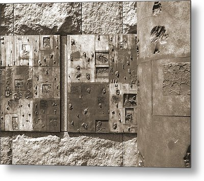 Franklin Delano Roosevelt Memorial - Bits And Pieces 2 Metal Print by Mike McGlothlen