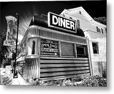Freehold Diner Metal Print by John Rizzuto