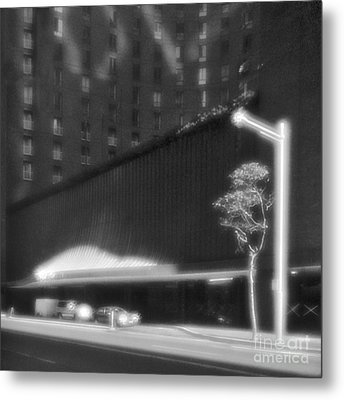 Frontage Of Hotel In Sydney Metal Print by Colin and Linda McKie