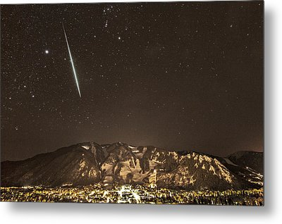 Geminid Meteor Shower Aspen Metal Print by Tom Cuccio