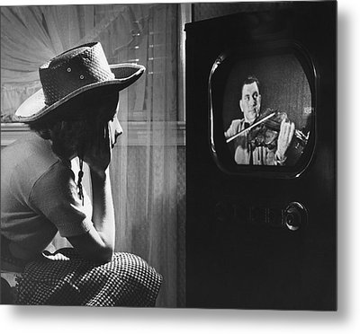 Girl Watching Tv Metal Print by Underwood Archives
