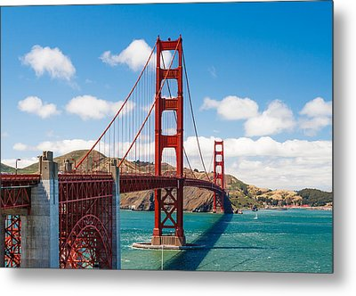 Golden Gate Bridge Metal Print by Sarit Sotangkur