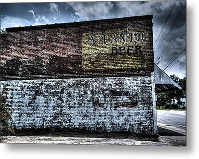 Greeleyville Atlantic Beer Metal Print by Bill Cantey