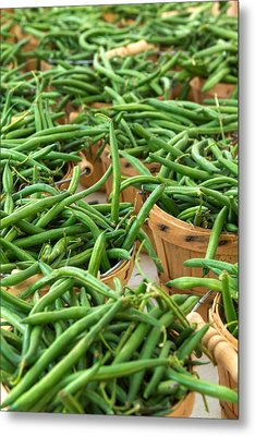 Green Beans In Baskets At Farmers Market Metal Print by Teri Virbickis