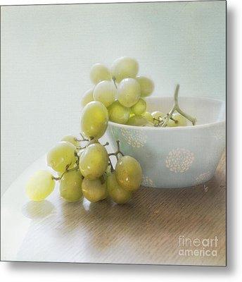 Green Grapes Metal Print by Cindy Garber Iverson