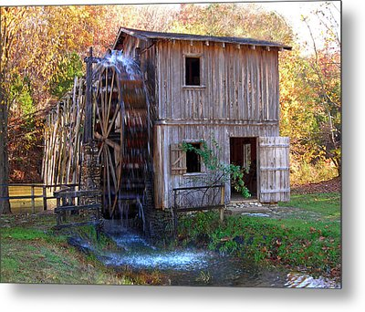 Hardy Mill In Autumn Metal Print by Ed Cooper