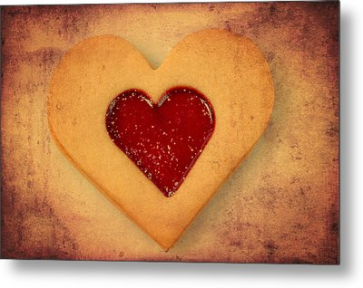 Heart Shaped Cookie With Texture Metal Print by Matthias Hauser