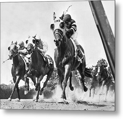 Horse Racing At Belmont Park Metal Print by Underwood Archives
