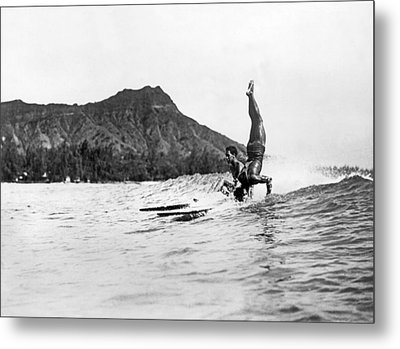 Hot Dog Surfers At Waikiki Metal Print by Underwood Archives