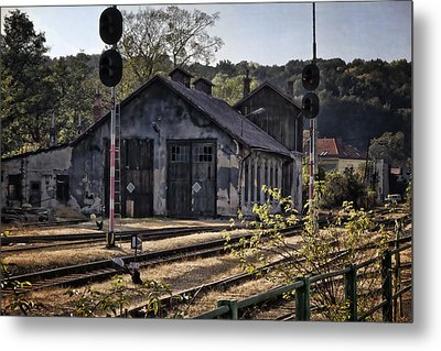 Hot Dry And Dusty Metal Print by Joan Carroll