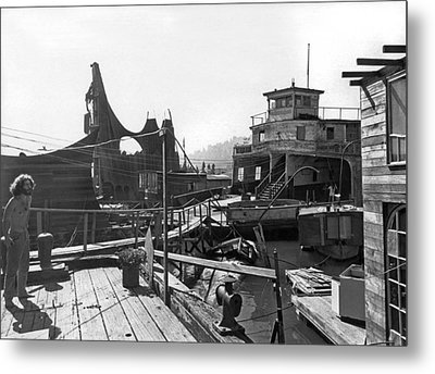 Houseboats In Sausalito Metal Print by Underwood Archives