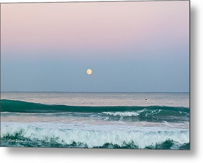 Hunters Moonrise Metal Print by Michelle Wiarda